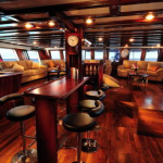 Indo Siren cruise boat-dive cruise indonesia-saloon