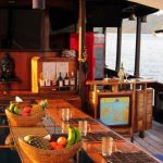 Moana-cruise-boat-dive-cruise-indonesia-dining