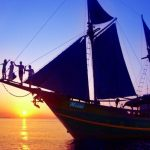 Moana-cruise-boat-dive-cruise-indonesia-sunset