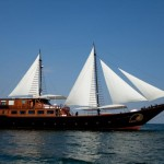 Samata liveaboard boat diving cruise indonesia full view