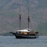 Wellenreng liveaboard boat diving cruise indonesia full view